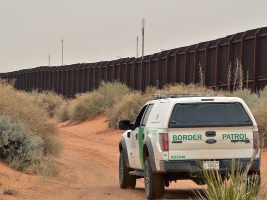 635931237928260060-GOP-2016-Trump-Border-Rios.jpg