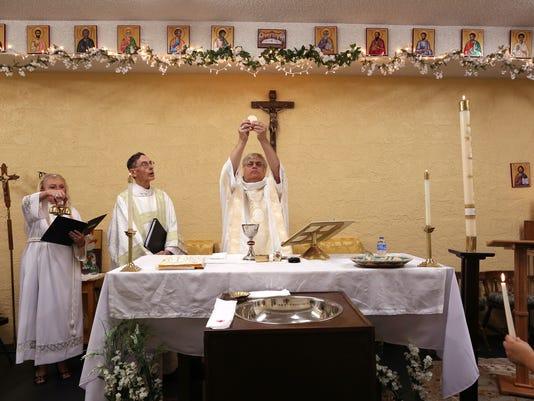 636297774688694819-baptism-host.jpg