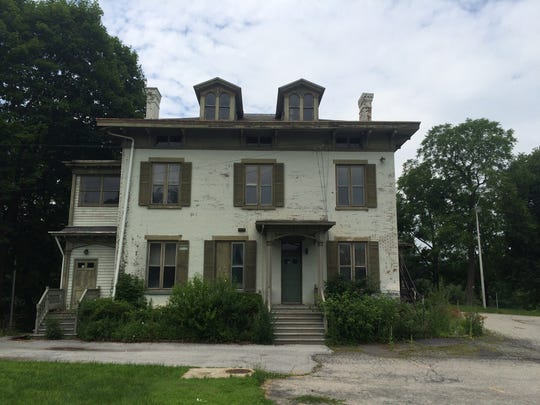 The  Pelton mansion at Wheaton Park has fallen into disrepair.