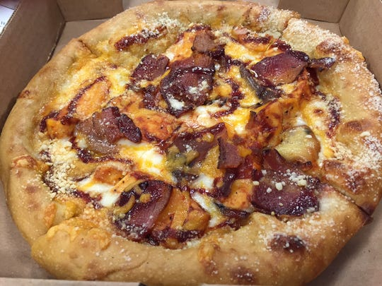 Mellow Mushrooms Funky Q Chicken pizza