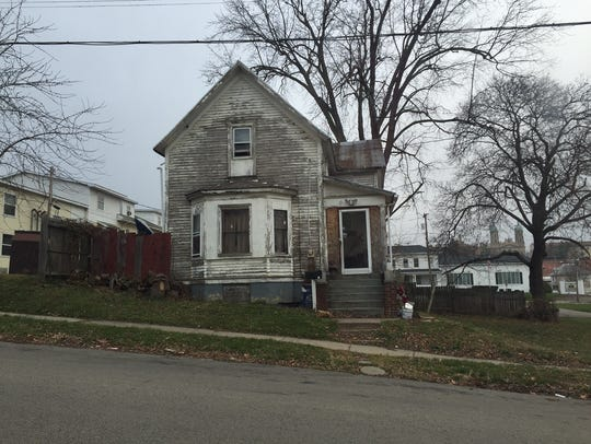 Alexis Baxter lived in this house at 98 S. Franklin