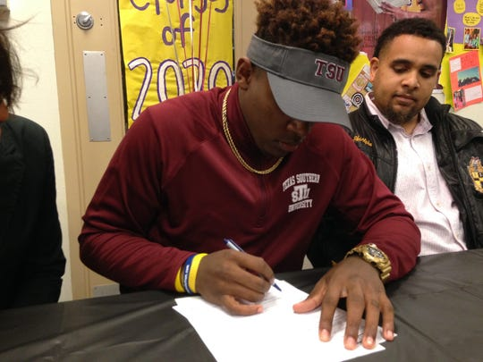 Byrd's Micah Minter signs with Texas Southern.
