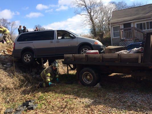 Clarksville van crash 3