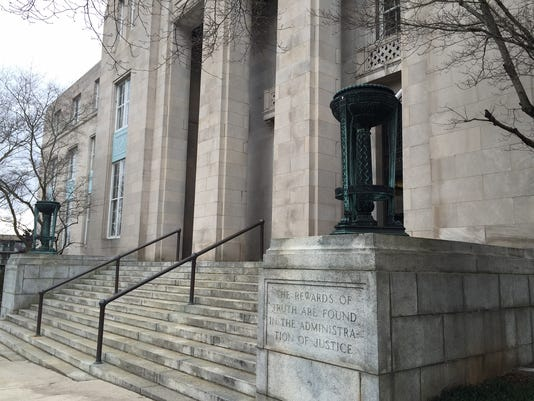 636033976996538971-Federal-courthouse.JPG
