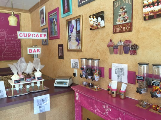 A new cupcake bar lets patrons customize their treats