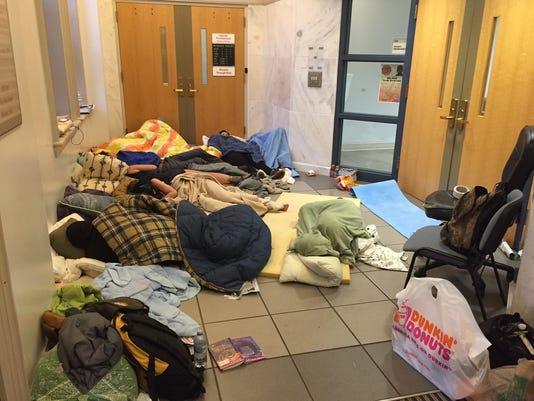 636047766051550037-sleeping-protesters.JPG