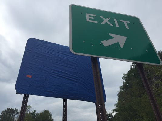 Taconic State Parkway exit signs