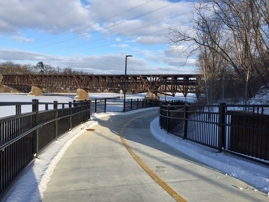 A new trail along the Mississippi River in St. Cloud