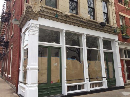 636301949852749988-brown-bear-facade.JPG