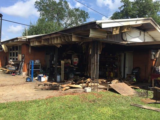 636380635643267609-922-Ridge-Rd.--House-fire.JPG