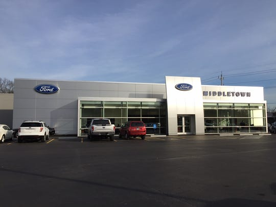 Outside view of the main showroom of Middletown Ford