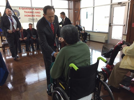 senator-pat-toomey-honors-veterans-lebanon-va
