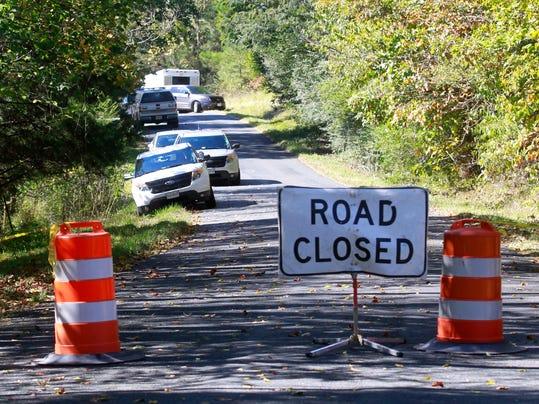 -road closed sign