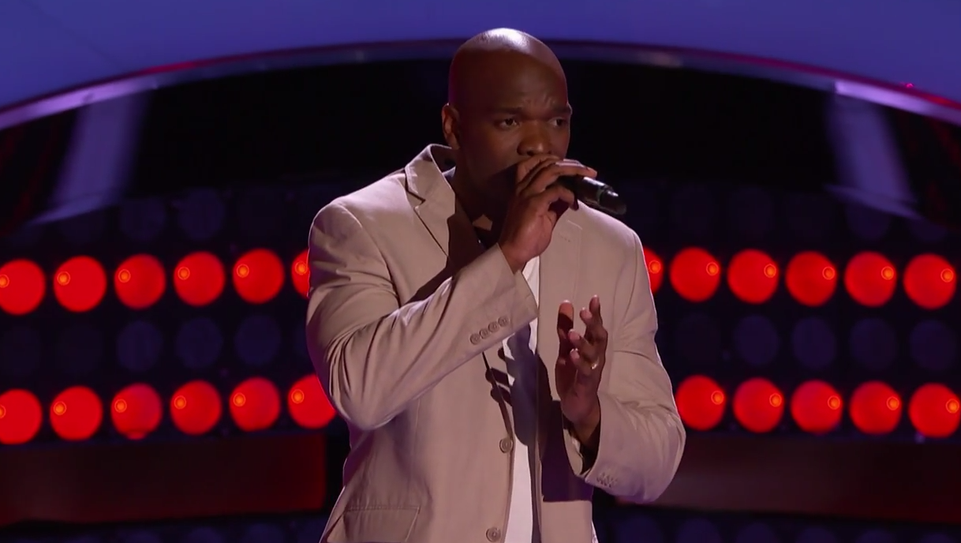 Jeremy Gaynor performing on the voice