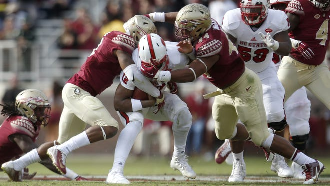 Derwin James (left) and DeMarcus Walker are expected to lead another top defensive unit for FSU in 2016.