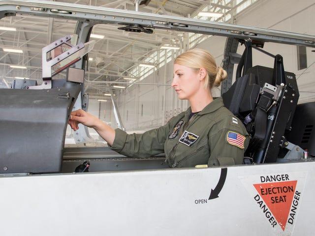 Despite years of progress, female pilots remain a very small minority