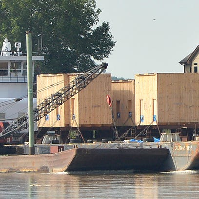 The first Missouri River barge to travel north toward Sioux City in more than a decade has finally arrived. The barge is carrying materials to a construction site.