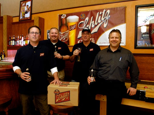 -030509 Schlitz Beer Oblio ANW01.JPG_20090306.jpg