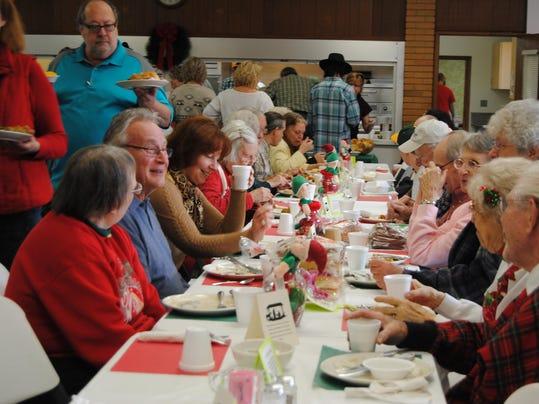 Port huron area churches serve up christmas dinner love for Restaurants serving christmas dinner
