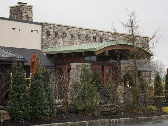 Another restaurant coming to bridgewater commons for Redstone grill