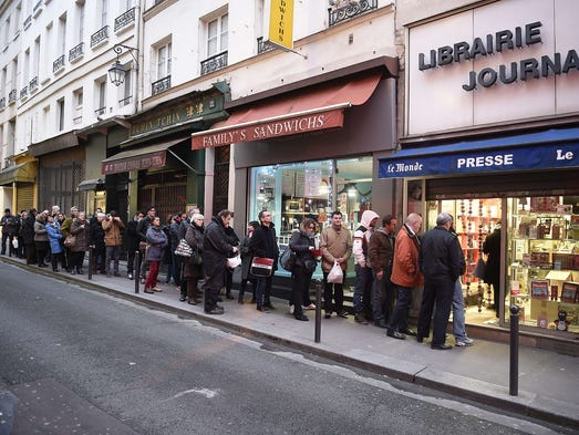 u s magazine sellers scramble to find new 39 charlie hebdo 39. Black Bedroom Furniture Sets. Home Design Ideas