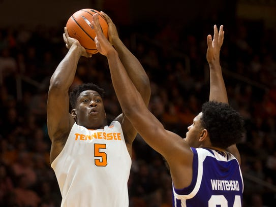 Tennessee forward Admiral Schofield (5) attempts a