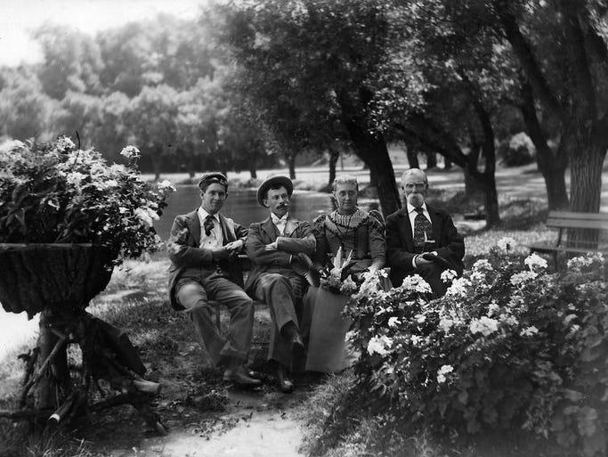 A family outing to Eldridge Park, c. 1900.
