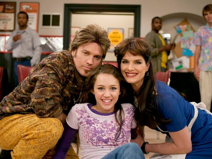 """HANNAH MONTANA - """"The Way We Almost Weren't"""" - Miley and Jackson can't wait to get home after a Hannah Montana performance on the road and Robby insists on making a pit stop at a local diner on the way. When Miley is almost struck by lightning, she has a vision in the diner and realizes that it's where Robby and her mom met, on """"Hannah Montana"""" airing on Disney Channel."""
