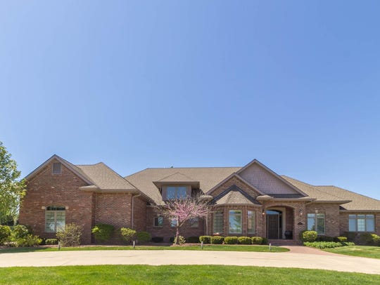 This West Des Moines house sold for $1,225,000.