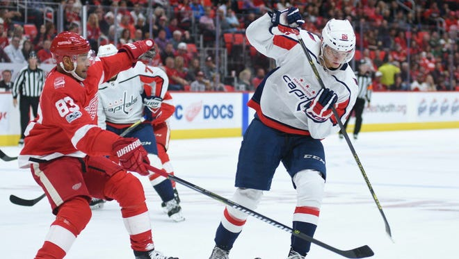 Washington Capitals forward Andre Burakovsky will miss 6-8 weeks.