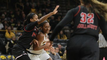 Ahead of Rutgers showdown, Hawkeyes reward freshman walk-on Zion Sanders with scholarship