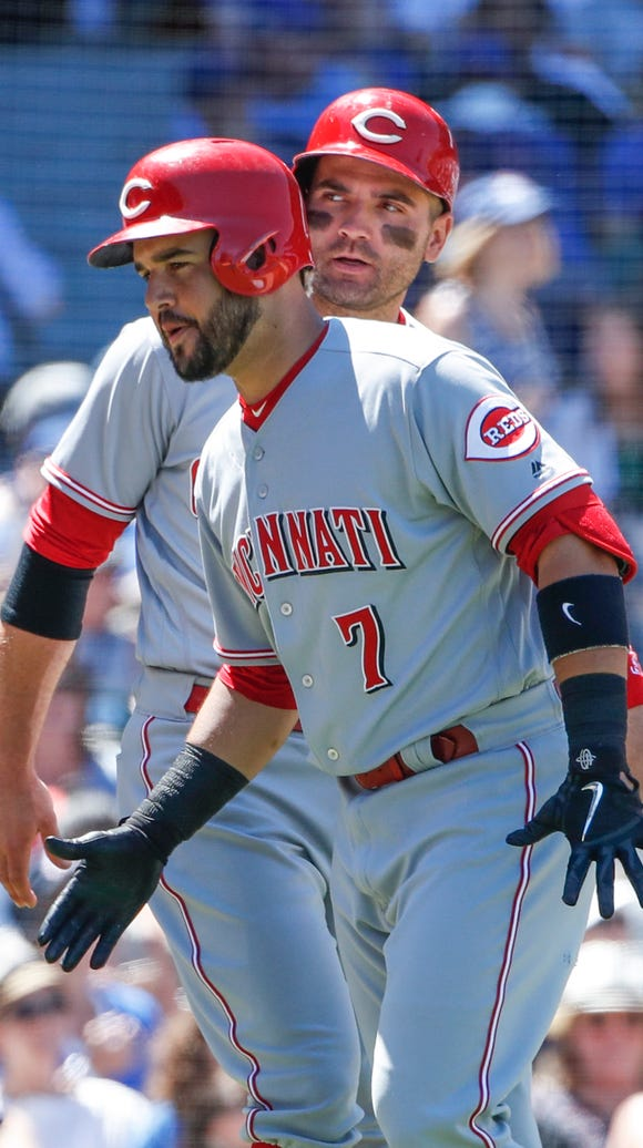Cincinnati Reds third baseman Eugenio Suarez (7) celebrates