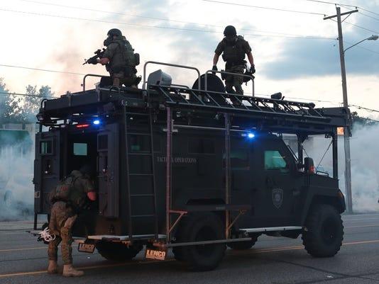 AP_APTOPIX_Police_Shooting_Missouri