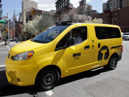 nissantaxi12