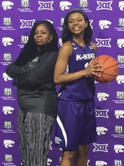Alisa Wiggins, right, with her mother, Shirlise McKinley, at Kansas State.