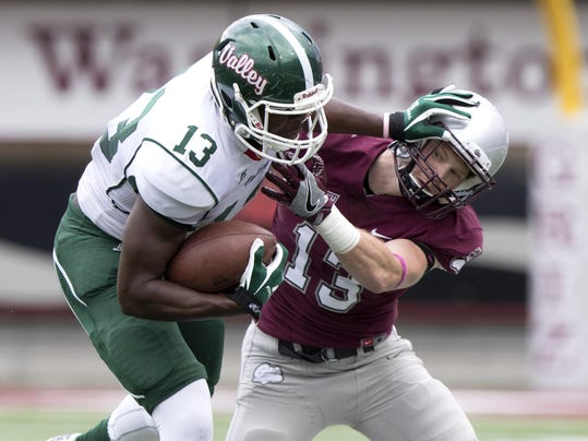 -montana josh sandry makes a tackle vs. mississippi valley state.jpg_2016100.jpg