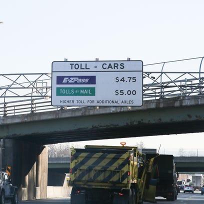 New York State Thruway sign at the Mario M. Cuomo Bridge