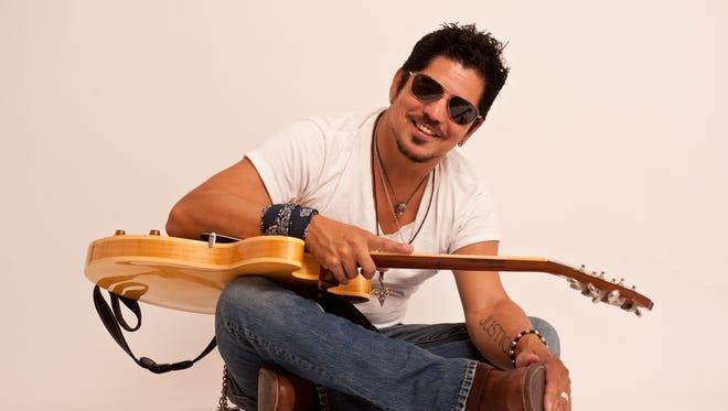 Ruben V will open Las Cruces Blues Night at the Plaza de Las Cruces.