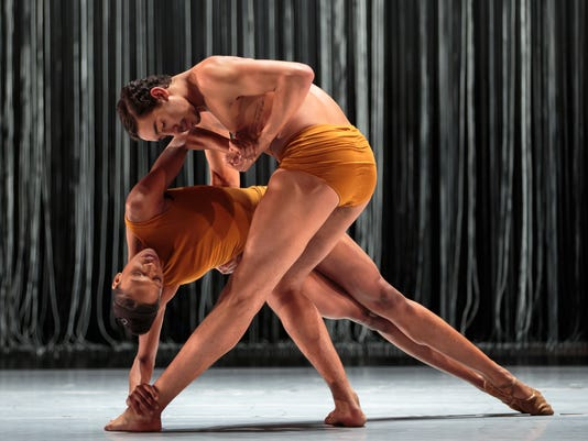 636212115068595880-LINES-Ballet-SAND-Courtney-Henry-and-Shuaib-Elhassan-by-Chris-Hardy.jpg