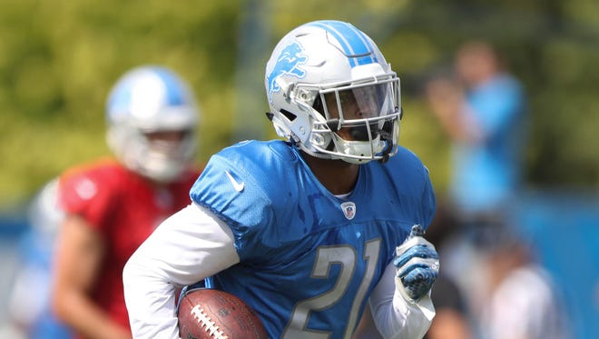 Lions running back Ameer Abdullah runs the ball during practice Tuesday, August 1, 2017 in Allen Park.