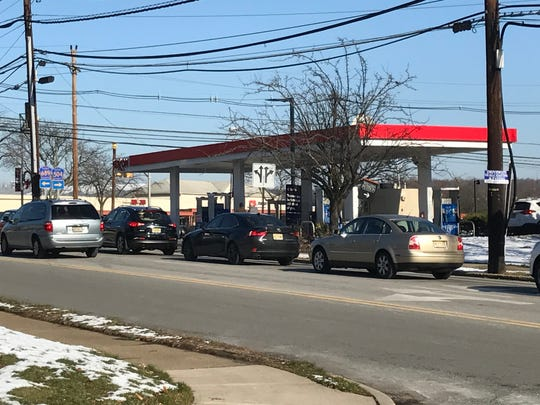 Wayne Planning Board members and residents expressed concern that a 7-Eleven convenience store and gas station on Hamburg Turnpike would lead to an increase in traffic.