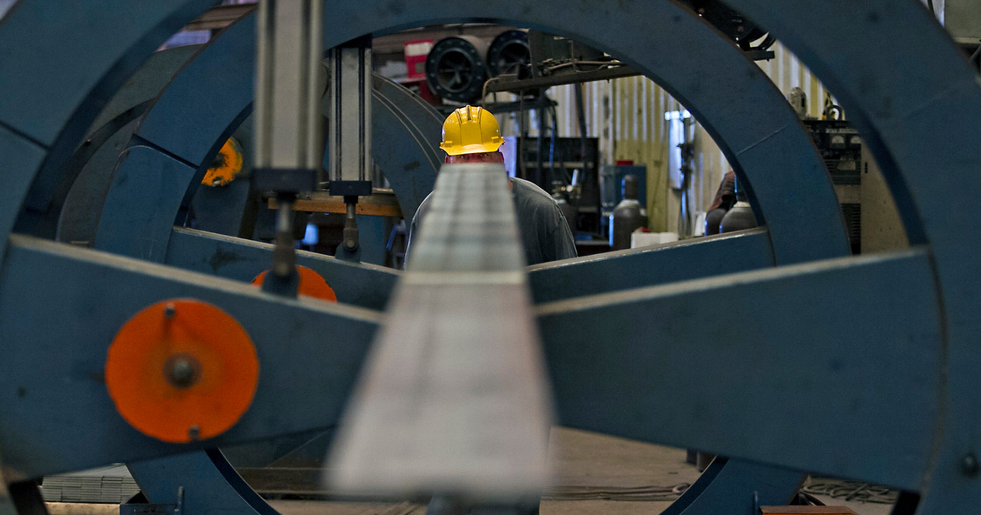 Job marks in Lee, Collier mask growth halt