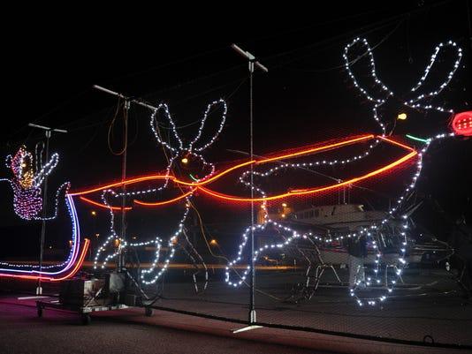 636180341354194298-1225-vclo-santacopter1.JPG
