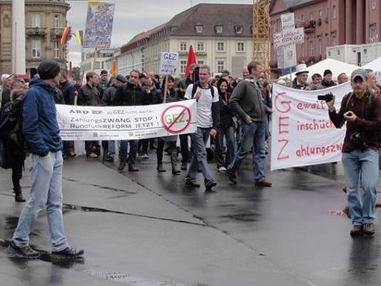 636171470463759478-GEZ-Demo-Oct.-3-Karlsruhe.jpg