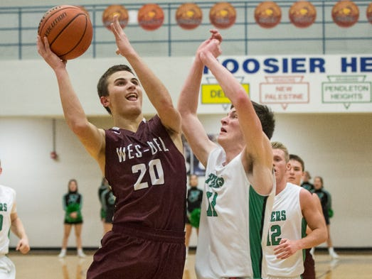 Wes Del's Conner Townsend goes in for the layup during
