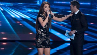 Mara Justine and Ryan Seacrest on the Monday, April 23 episode of 'American Idol.'