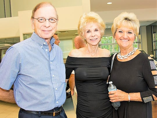Len and Pat Schmader, left, and Pam Alverson agreed