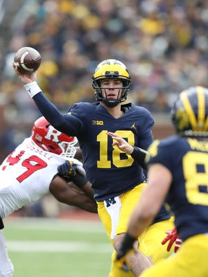 Michigan's Brandon Peters passes against Rutgers in the third quarter Saturday, Oct. 28, 2017 at Michigan Stadium.