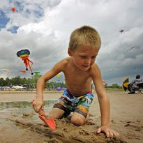 Neshotah Beach to remain closed amid E. coli rise