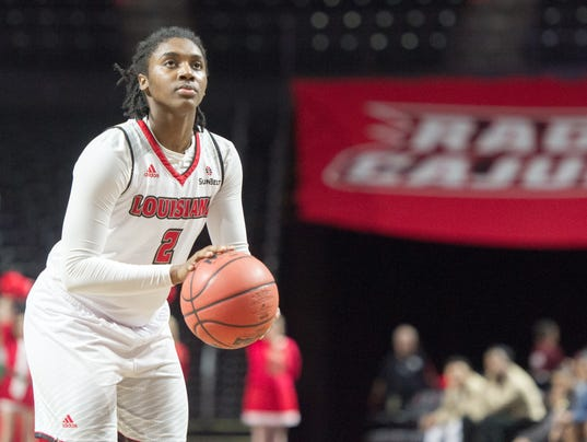 636180394947728922-cajuns.la.tech.women.basketball.12.22-0254.jpg